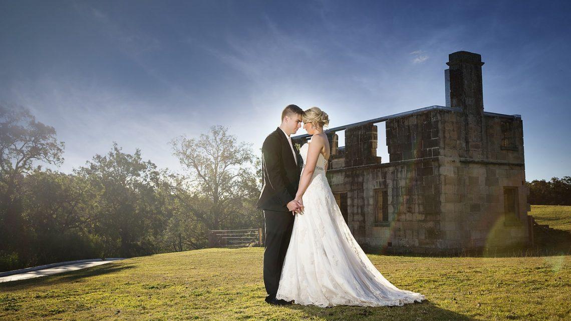 Pourquoi engager un photographe professionnel pour le jour de son mariage ?