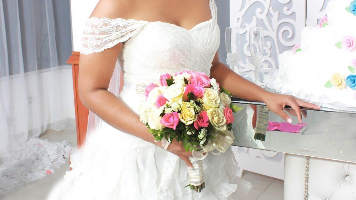 Quelle robe de mariée pour les petites tailles?