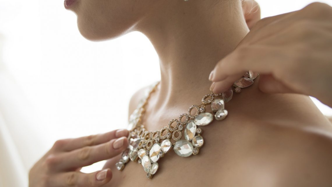 Pourquoi opter pour des bijoux fait main ?